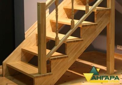 Лестница из сращенного мебельного щита