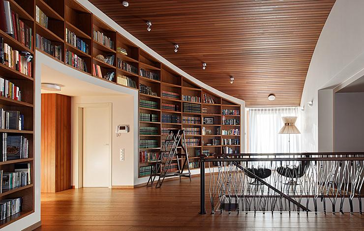 Планкен в библиотеке