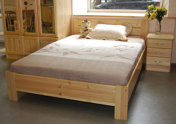 Кровать из мебельного щита