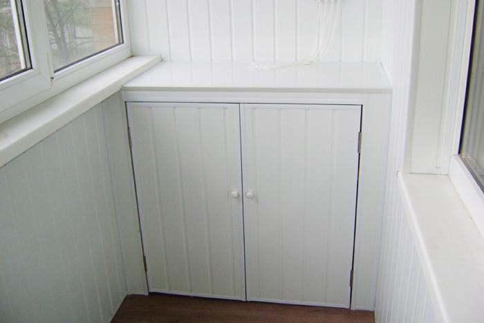 Отделка шкафа на балконе