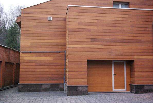 Отделка фасада планкеном из лиственницы