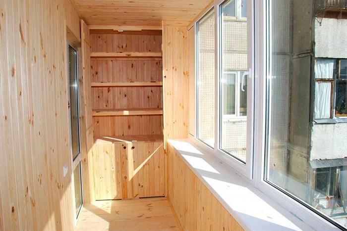Шкаф на балкон из вагонки