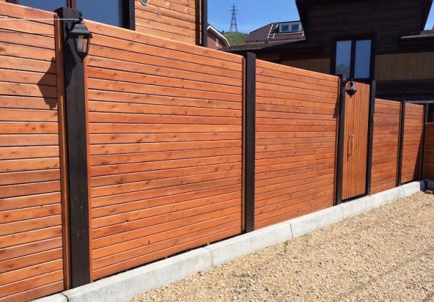 Забор из планкена лиственницы